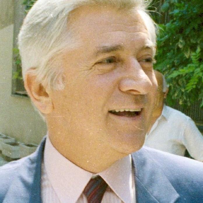 Τι έγραψαν για τα 30 χρόνια από τη δολοφονία του Μπακογιάννη | Πολιτική  Ειδήσεις